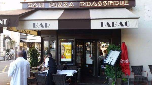 affichage-dynamique-vitrine-paris-bar-cenareo