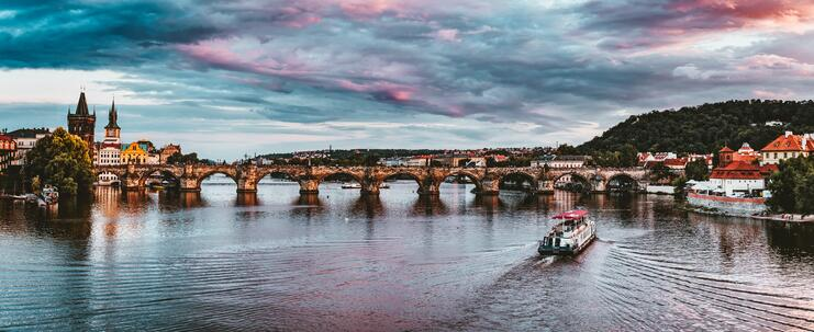 architecture-boats-bridge-1269805